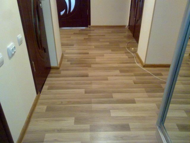 К качествам материалов для напольного покрытия в коридоре и прихожей предъявляются повышенные требования