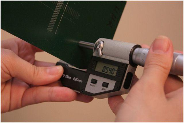 Хорошие продавцы всегда предоставят микрометр для проверки заявленной толщины профлиста