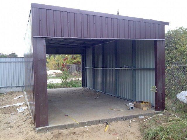 Для крыши металлического каркасного гаража чаще всего применяется профнастил