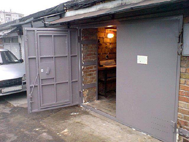 Полностью металлические ворота для каркасного гаража могут быть слишком тяжелыми