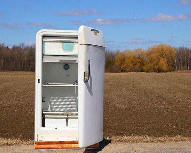 Старый холодильник – это просто находка для желающего изготовить собственную коптильню