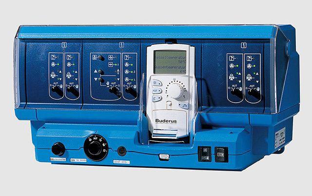 Автоматика Buderus Logamatic 4211. Частично заменяет человеческий мозг в управлении отоплением «всего» за 74 000 рублей