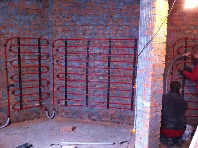 Монтаж труб теплых стен