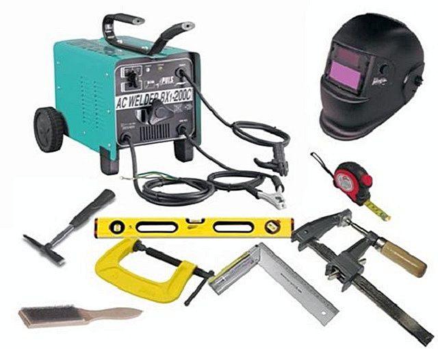 Набор инструментов и приспособлений для выполнения сварочный работ. Безусловно, это самый оптимальный способ сборки металлического каркаса