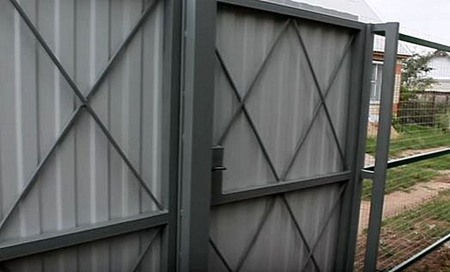 Каркас усилен диагональной решеткой, сваренной из арматурных прутьев