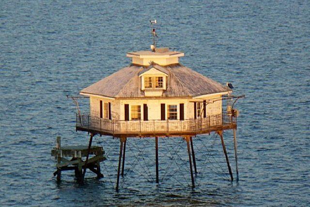 Первый маяк, построенный на винтовых сваях – «Мэплин Сэндс»