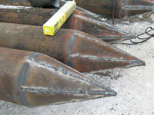 Металлические забивные сваи готовят из толстостенных труб большого диаметра