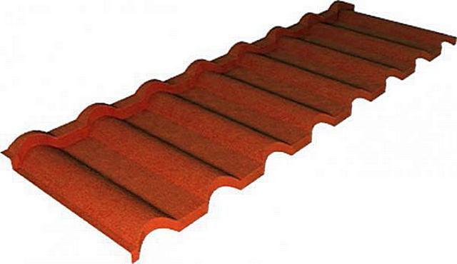 Это не керамическое изделие: рельефность обеспечивает стальной лист, а внешнюю «натуральность» — специальное минеральное покрытие, имеющее качественную защиту
