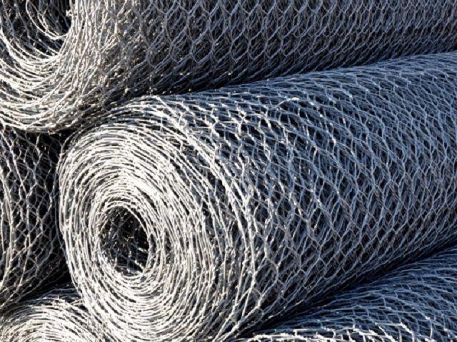 Стандартные рулоны сетки с шестигранными ячейками для изготовления цилиндрических габионов