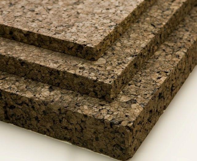 Плиты черного пробкового агломерата хорошо подойдут для утепления перекрытий или кровельного покрытия