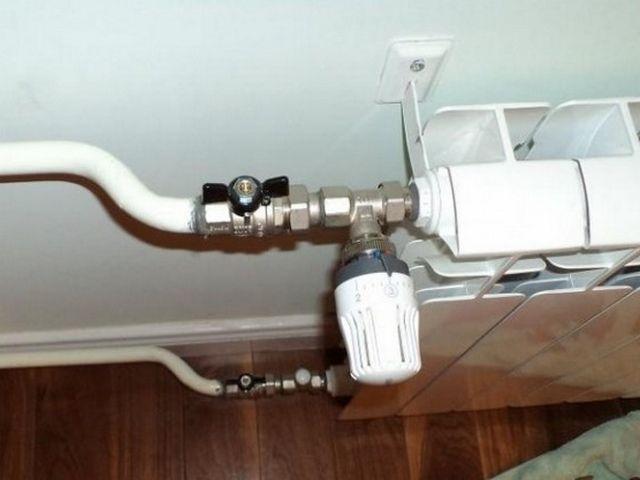 Типичный пример установки терморегулятора: у запорной арматуры одни функции, у регулировочного оборудования – другие, и не стоит их смешивать