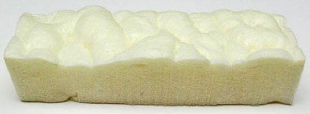 Характерная газонаполненная структура застывшего пенополиуретана