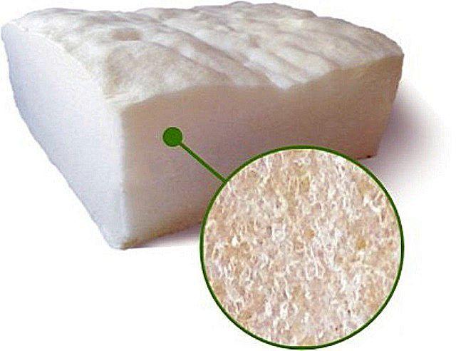 Характерная ячеистая, буквально – воздушная структура расширившегося и застывшего пенополиуретана