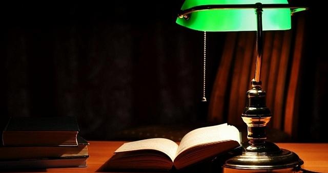 Предназначение настольных ламп понятно уже из их названия