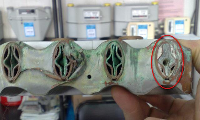 Применение битермических теплообменников с жесткой водой и пренебрежение к «гигиеническим» процедурам промывки гарантировано ведут к подобному результату