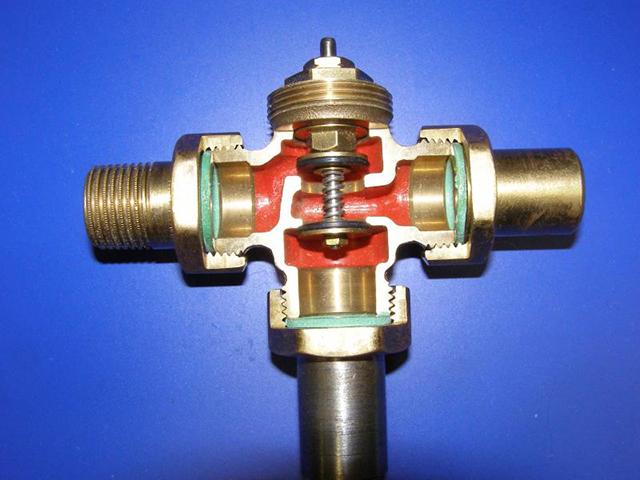 Трехходовой клапан в разрезе