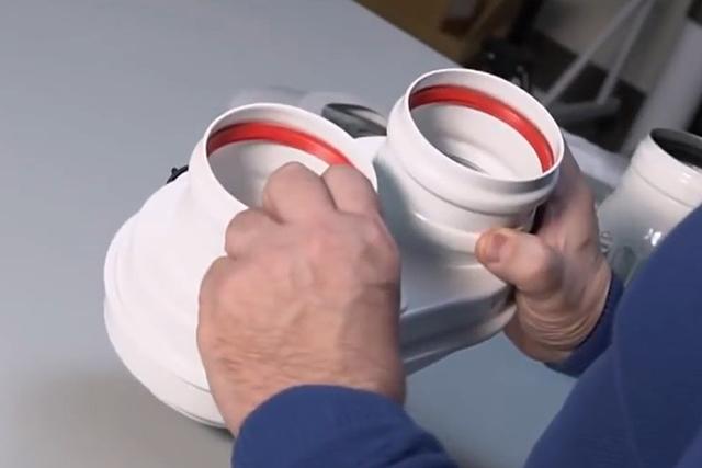 Адаптер для перехода с коаксиального дымохода 60/100 мм на два круглых по 80 мм