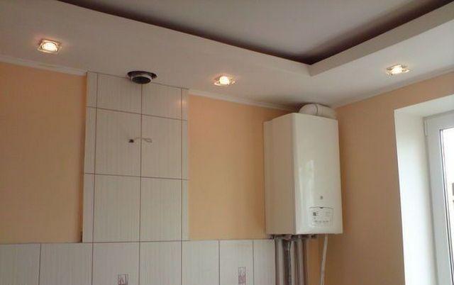 Котел для автономной квартирной системы отопления в большинстве случаев устанавливается на кухне – лучше места для него, пожалуй, не отыскать