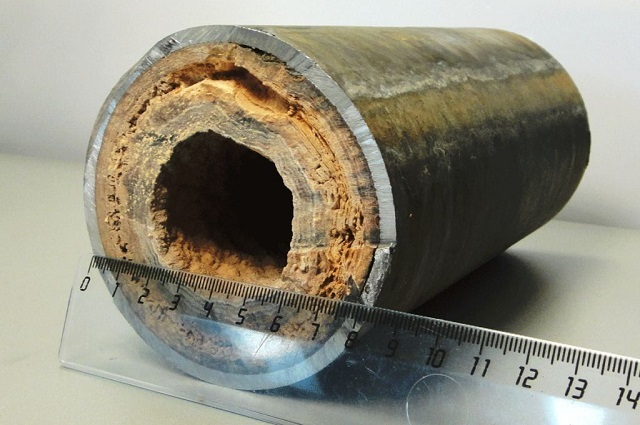 Говорить о сбалансированности работы системы отопления, если трубы контура находятся вот в таком состоянии – просто наивно! Или прочистка, или замена на новые, с последующей заливкой качественного теплоносителя…
