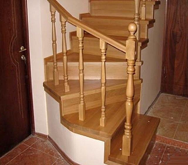 При проектировании лестницы с забежными ступенями обязательно принимают в расчет целый ряд важных требований