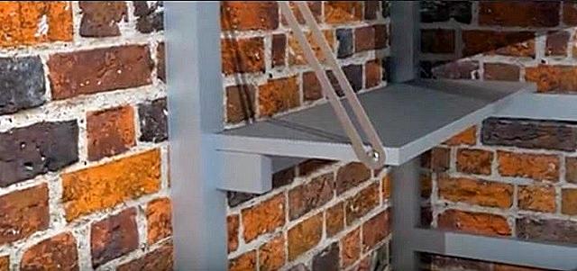 Один из вариантов складной ступени с опорой на горизонтальный брусок