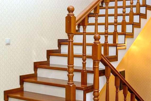 Бетонная лестница – «чемпион» по надежности и долговечности. А в вопросах ее отделки – все зависит от вкусов и возможностей хозяев дома.