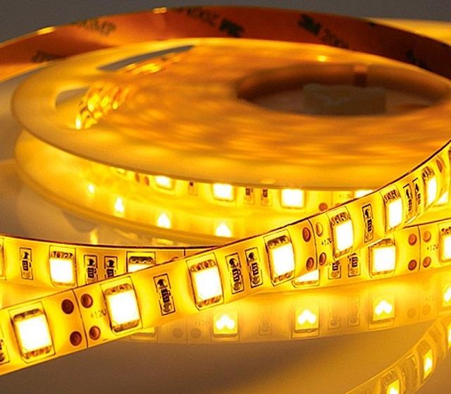 Светодиодная лента – можно приобрести нужную длину, так как в магазине они нарезаются по желанию заказчика, с кратностью обычно 500 или даже 250 мм.
