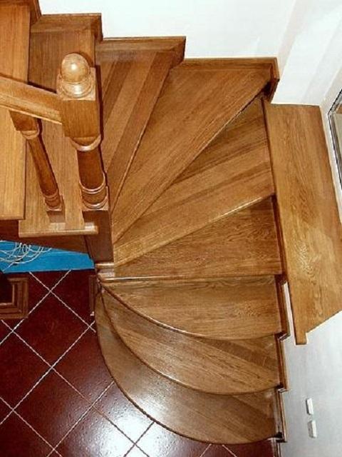 Совмещение маршевой лестницы с «винтовым» участком из забежных ступеней