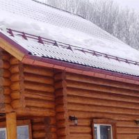 Установка снегозадержателей на крыше из металлочерепицы