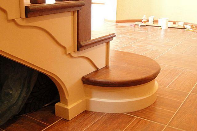 Типичный пример фризовой ступени – она может быть шире и иметь закругленные края