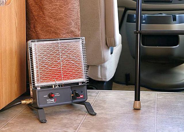Лучшим вариантом среди газовых инфракрасных обогревателей для использования в условиях дома являются приборы каталитического принципа действия, в который окисление газа происходит без образования пламени.