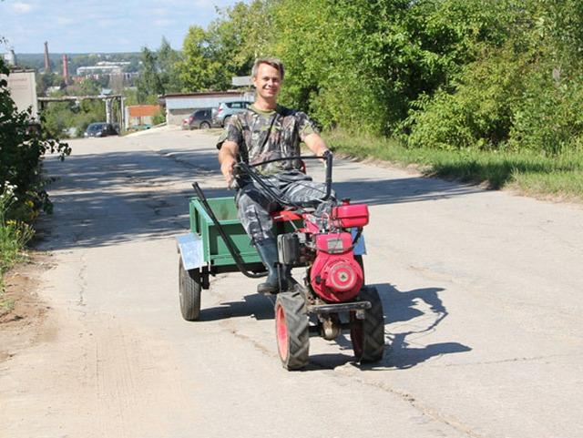 Доставить на поле семена или удобрения, вывести собранный урожай – нет проблем, если в распоряжении землевладельца мотоблок тяжелого класса