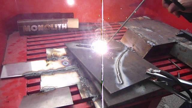 При сварке постоянным током с использованием ММА-выпрямителей разбрызгивание металла — незначительное, и швы получаются намного аккуратнее