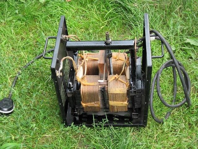 Устройство сварочного трансформатора что заводской, что кустарной сборки — не отличается большой сложностью