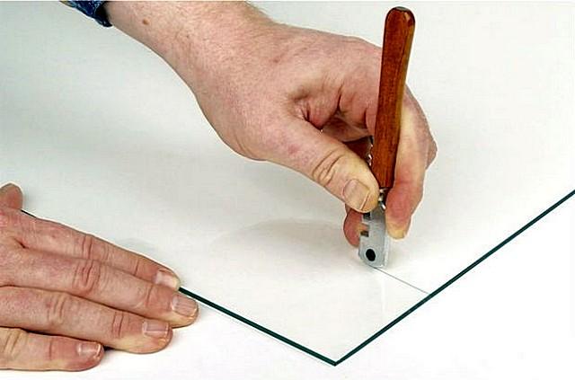 Стеклорез какой лучше — выбираем оптимальный инструмент