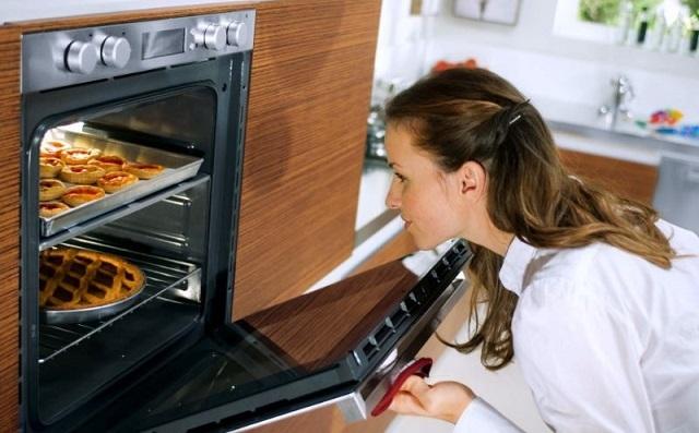 Современная газовая духовка – это многофункциональный прибор, упрощающий качественное приготовление самых изысканных блюд