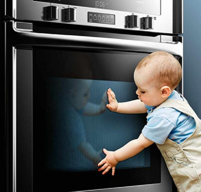Безопасность эксплуатации должна продумываться со всех сторон, тем более, если в квартире или доме проживают маленькие дети.