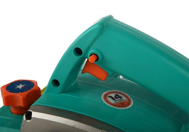 Органы управления электрорубанка – пусковая клавиша и обязательная кнопка предохранителя