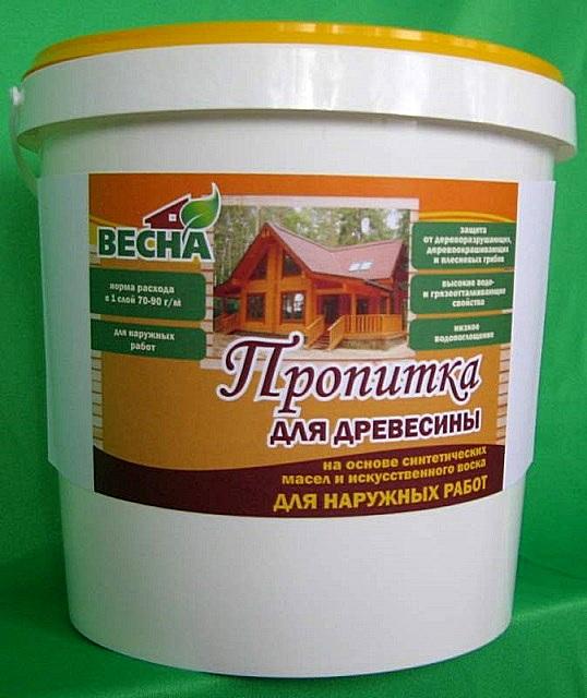 Пропитки на масляной основе создают хорошую преграду от проникновения влаги – отличное решение для наружных работ