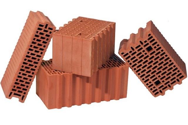 «Теплая керамика» -специальные стеновые блоки, очень удобные в кладке и обладающие высокими для такого типа материалов термоизоляционными качествами