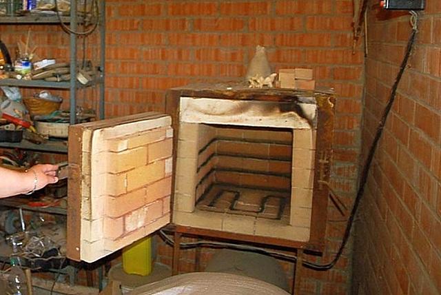 Один из многочисленных примеров самостоятельно изготовленной муфельной печи