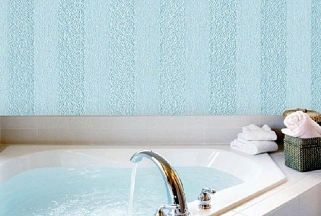 Обои из стекловолокон безо всяких опасений можно использовать в помещениях с повышенной влажностью и с возможным прямым попаданием волы на стены