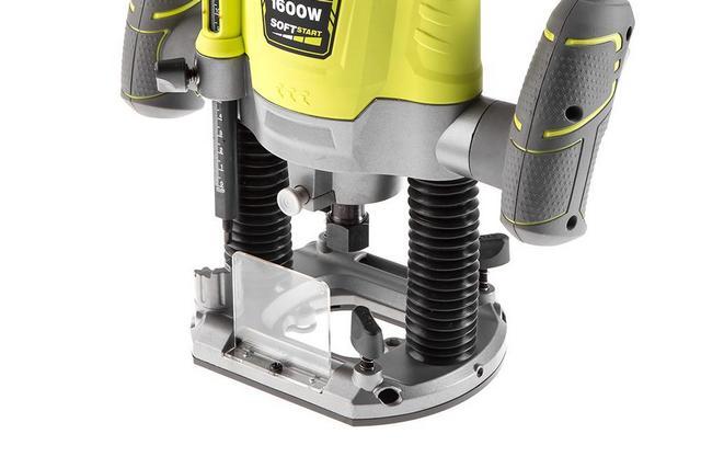 Платформа ручного фрезера должна обеспечивать свободное перемещение инструмента по обрабатываемой детали, его устойчивость и хороший обзор рабочей области.