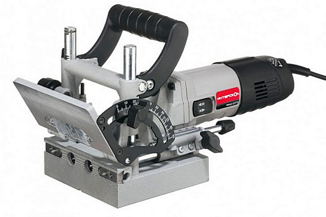 Присадочный фрезер – для точной выборки пазов (отверстий, гнёзд) для соединительных деталей (шкантов, шпонок). Узконаправленный профессиональный инструмент