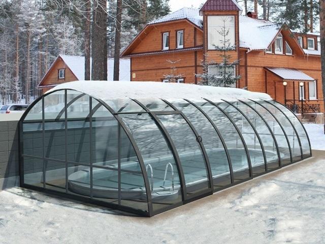 Даже сильные морозы не сделают поликарбонат хрупким и неустойчивым к ударам