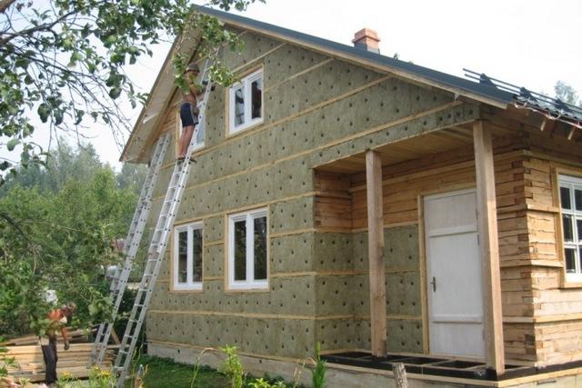 Если дом предполагается отапливать электрическими приборами, то вопросы термоизоляции вообще должны быть включены в разряд первостепенной важности