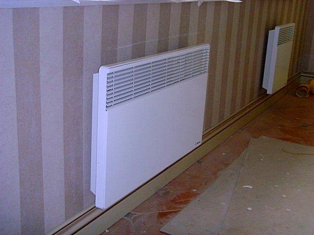 В одном помещении может устанавливаться несколько конвекторов, работающих автономно или объединённых общей системой термостатического регулирования