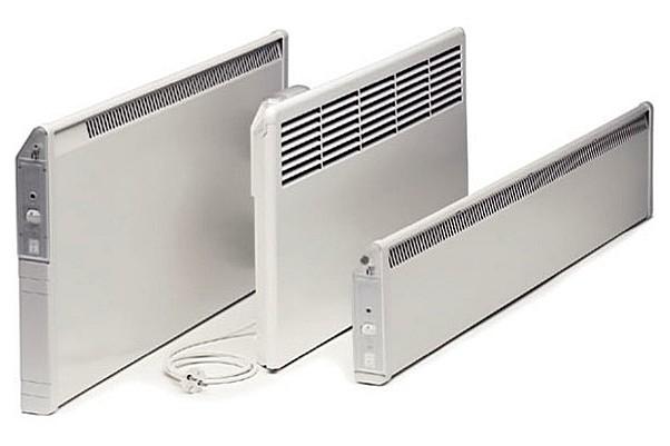 Плоская форма корпуса характерна для всех конвекторов, но его пропорции по длине и высоте бывают разными.