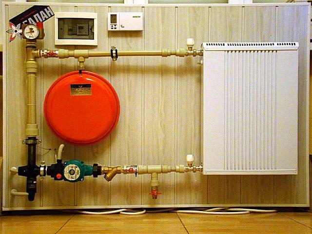 Миниатюрный электродный котел тем не менее вполне способен обеспечить эффективное отопление в отдельно взятом помещении.