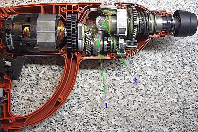 Принцип передачи усилия в перфораторах с параллельным расположением электропривода и рабочего шпинделя